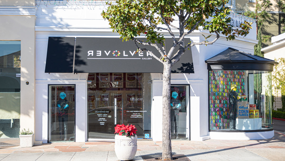 Revolver Gallery storefront statues on Sunset Blvd.